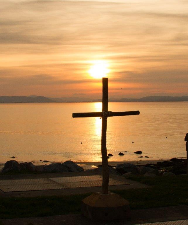 The cross at Sunset-Portmahomack